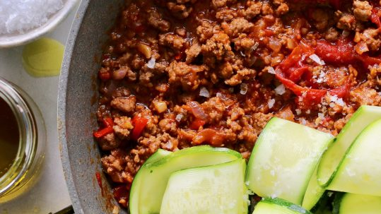 Zucchini Ragu, plant-based healthy dinner recipe | Cocolife non-aerosol healthy oil sprays